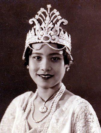 นางสาวไทยคนแรก