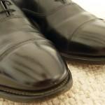 วิธีทำความสะอาดขอบรองเท้า